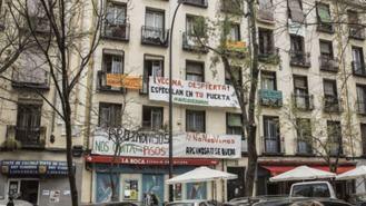 Protesta en Lavapiés por el desahucio de un edificio y la subida del alquiler de un 300%