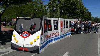 Carabanchel y Puente de Praga, firmas para exigir la prolongación de la L-11 de Metro