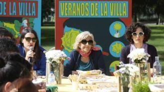 Carmena se despide con un `desayuno toscano´ en la presentación de Veranos de la Villa