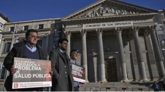 Víctimas de abusos piden con 520.000 firmas en el Congrso poner 'líneas rojas' a la Iglesia