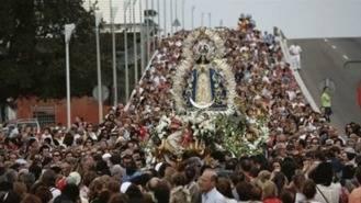 Unas 40.000 personas acompañan la bajada de la Virgen de los Angeles