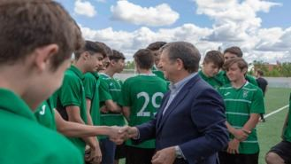 Dos equipos de fútbol del Deportivo Villanueva ascienden de categoría