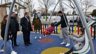 Remodelado el parque infantil de San Isidro, que ha incorporado juegos inclusivos