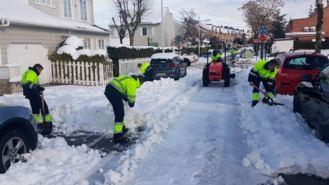 Retirada de la nieve acumulada en los principales accesos y vías