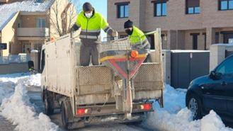 El Ayuntamiento esparce 50.000 kg de sal y restablece el servicio de basuras