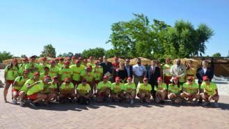 Una veintena de jóvenes del municipio se incorporan a la plantilla de Aquopolis