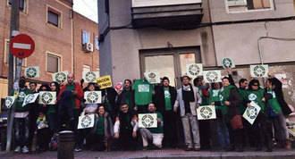 La PAH reforma un bloque de viviendas del `banco malo´en Vallecas