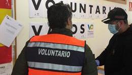 Un centenar de vecinos se ofrecen como voluntarios para ayudar en la crisis