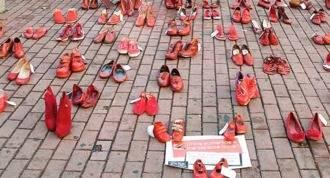 Terrorismo machista: Zapatos rojos cubrirán una plaza de Rivas